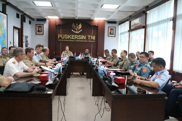 15 Perwira Siswa Australia kunjungi Mabes TNI