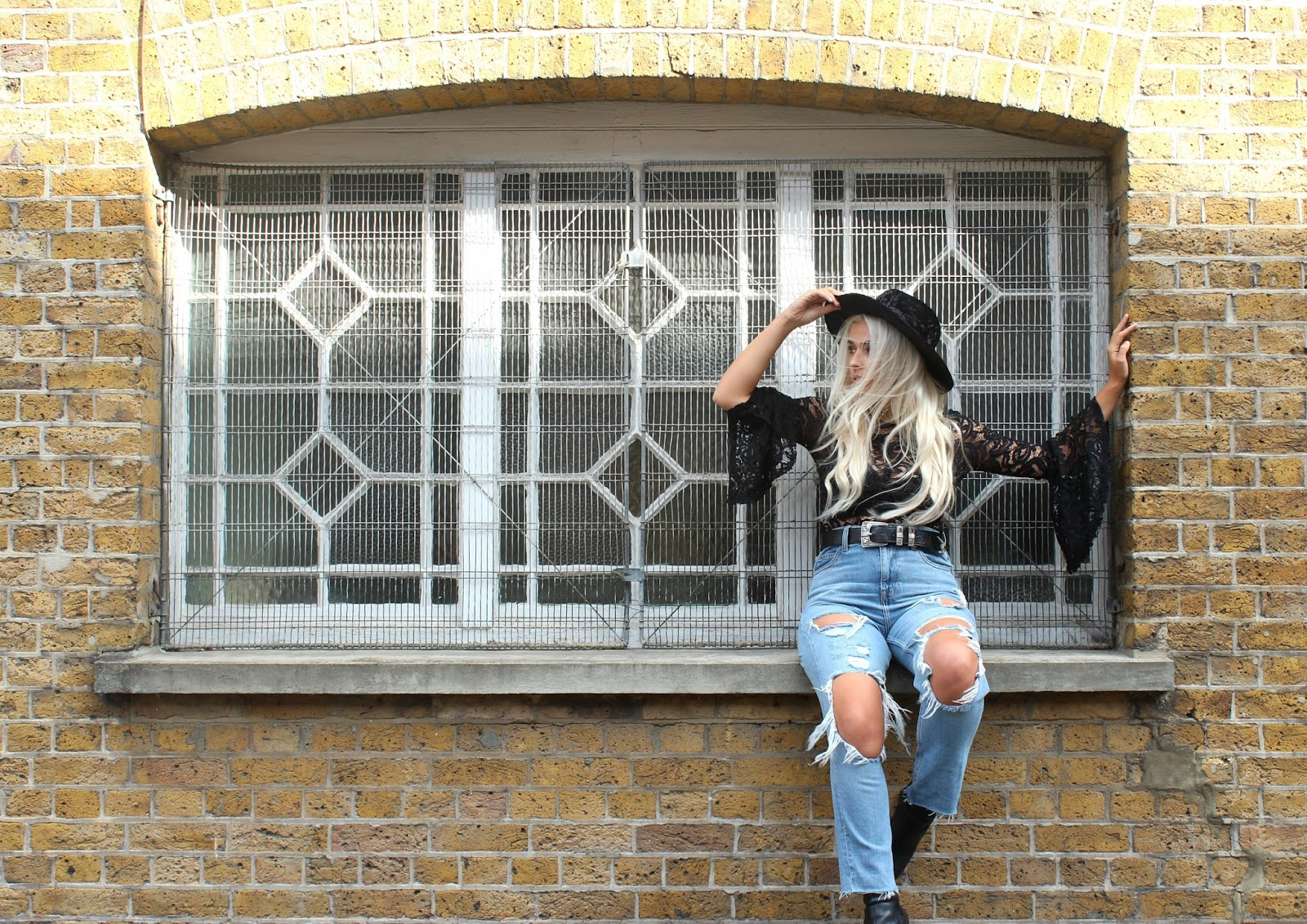 UK FASHION BLOGGER CHARLOTTE HOLE
