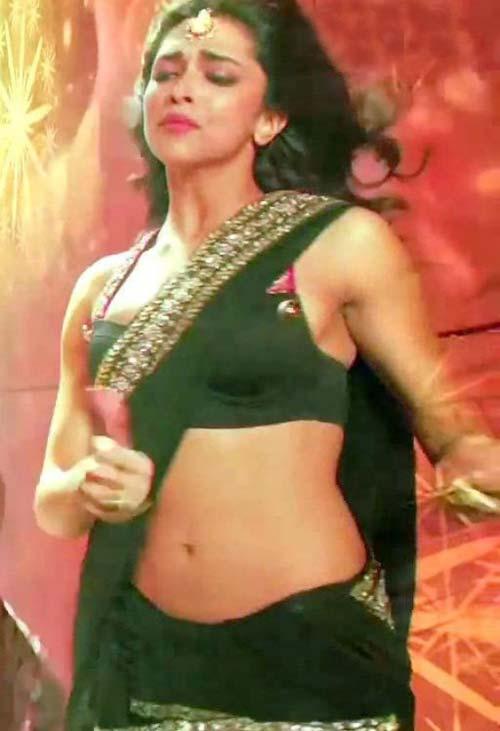 Deepika Paduk One  Indian Actress Hot Pics-2444
