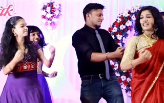 Thudakam mangalyam wedding welcome dance