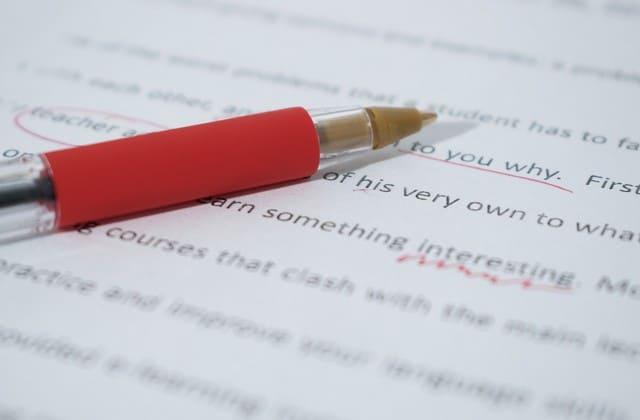 Seringlah berlatih membaca maupun menulis bahasa inggris