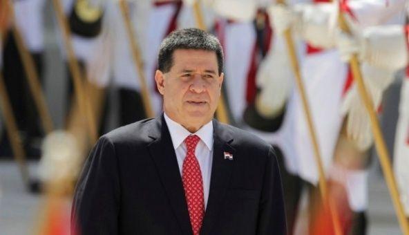 Horacio Cartes retira renuncia como presidente de Paraguay