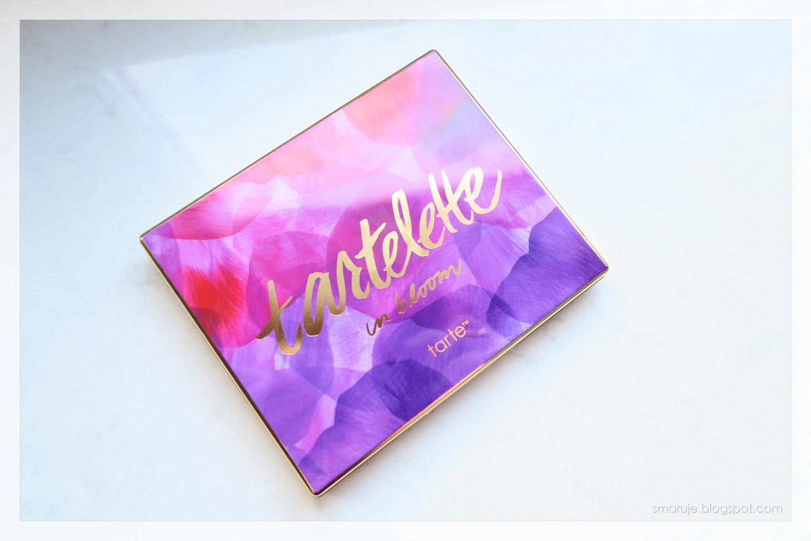 Tarte Tartelette In Bloom paleta cieni swatche