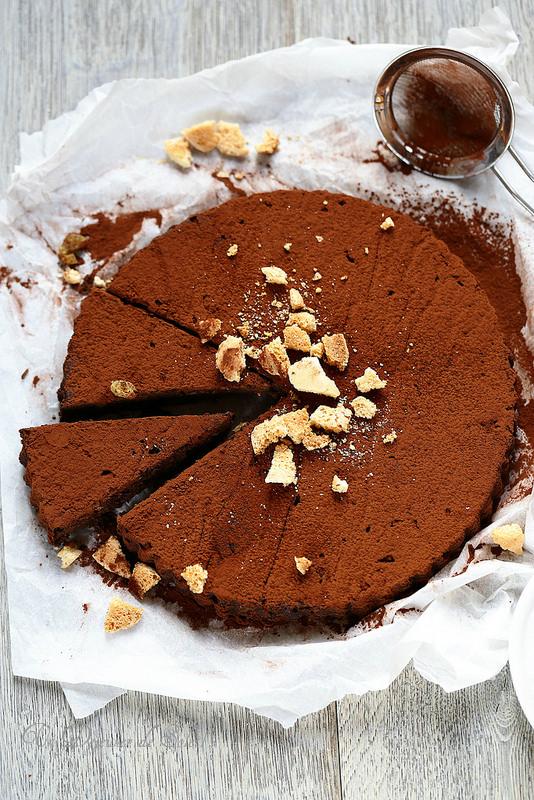 Gâteau de pain au chocolat (cacao) et aux amaretti