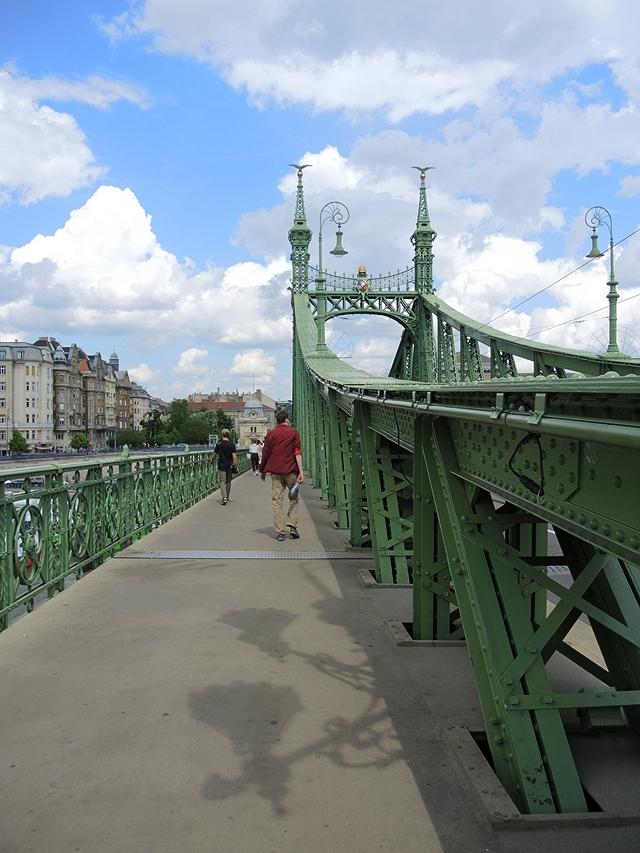 Boedapest: De vrijheidsbrug