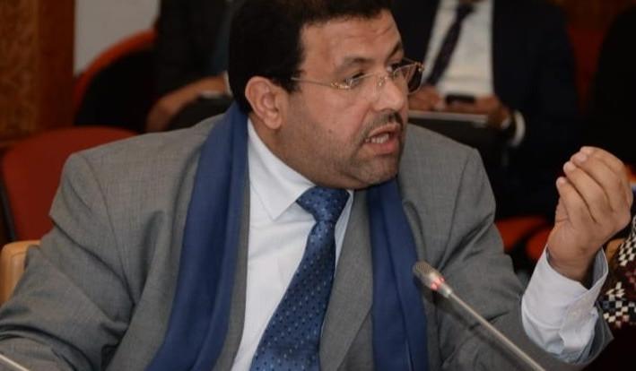 """أبو درار ينقل معاناة الشباب ضحايا برنامج """"مقاولتي"""" إلى قبة البرلمان"""