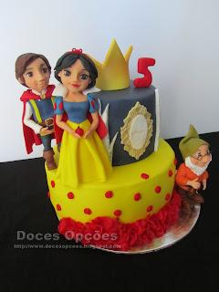 bolo Branca de Neve e os Sete Anões bragança doces opções
