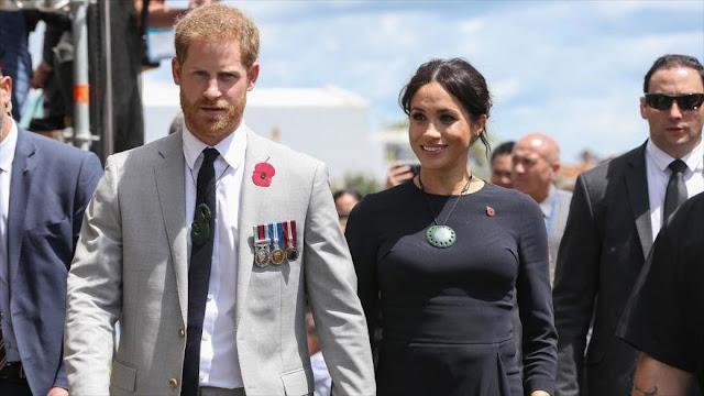 Medio: Familia real británica entretiene a masas y medios