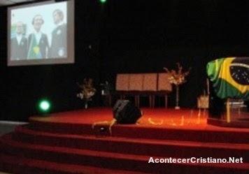 Iglesia transmite partidos de fútbol