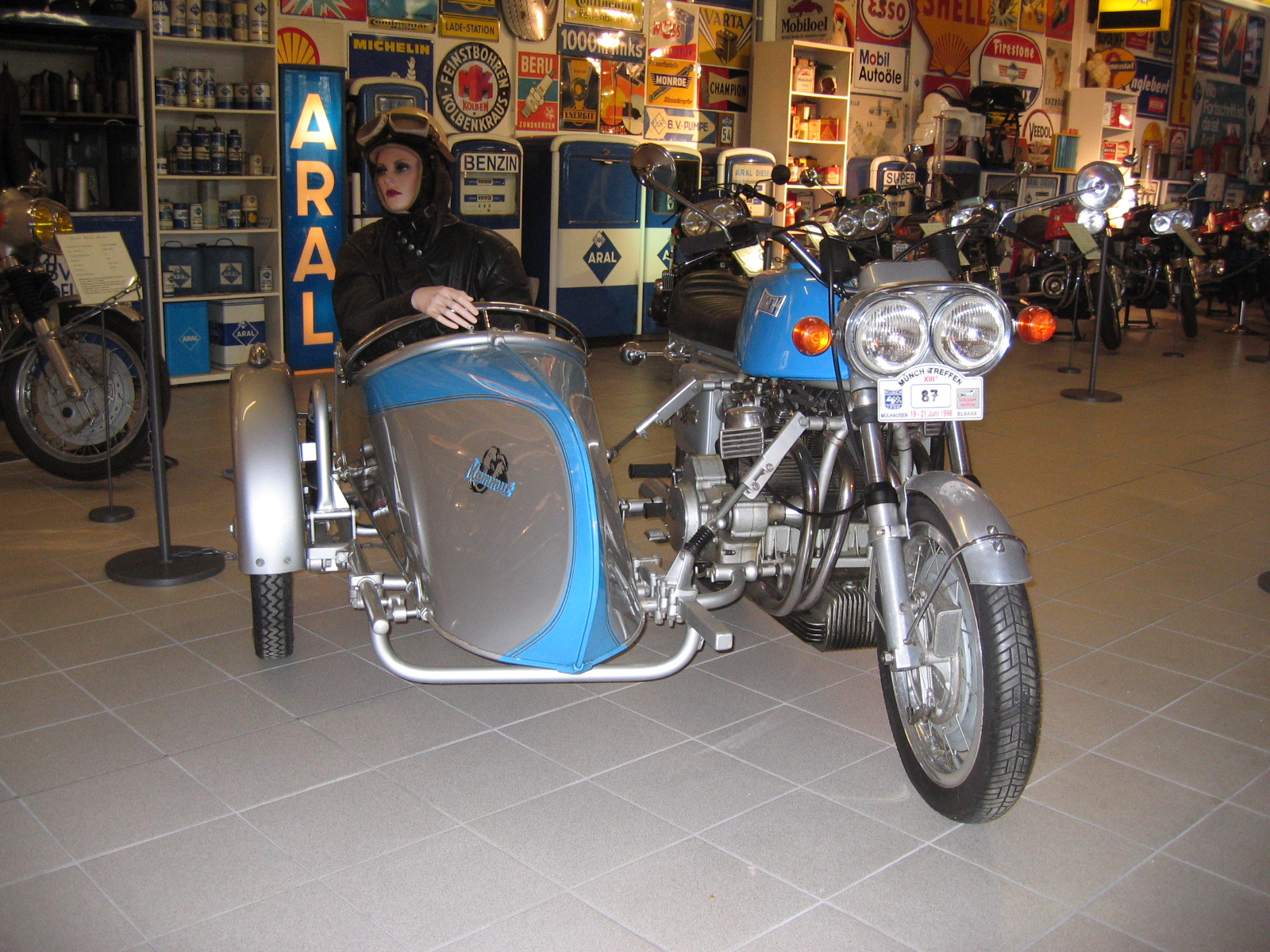 reputable site where can i buy designer fashion Stoye Custom Sidecars: Stoye Sidecar Classik with Münch Mammut