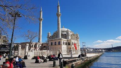moschea sul mare