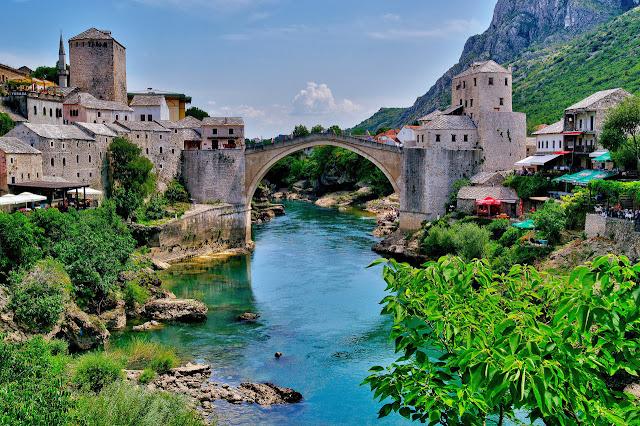 Jembatan Indah Tua Masih Berdiri Sampai Sekarang, Indah Sekali Jembatan Tua ini!