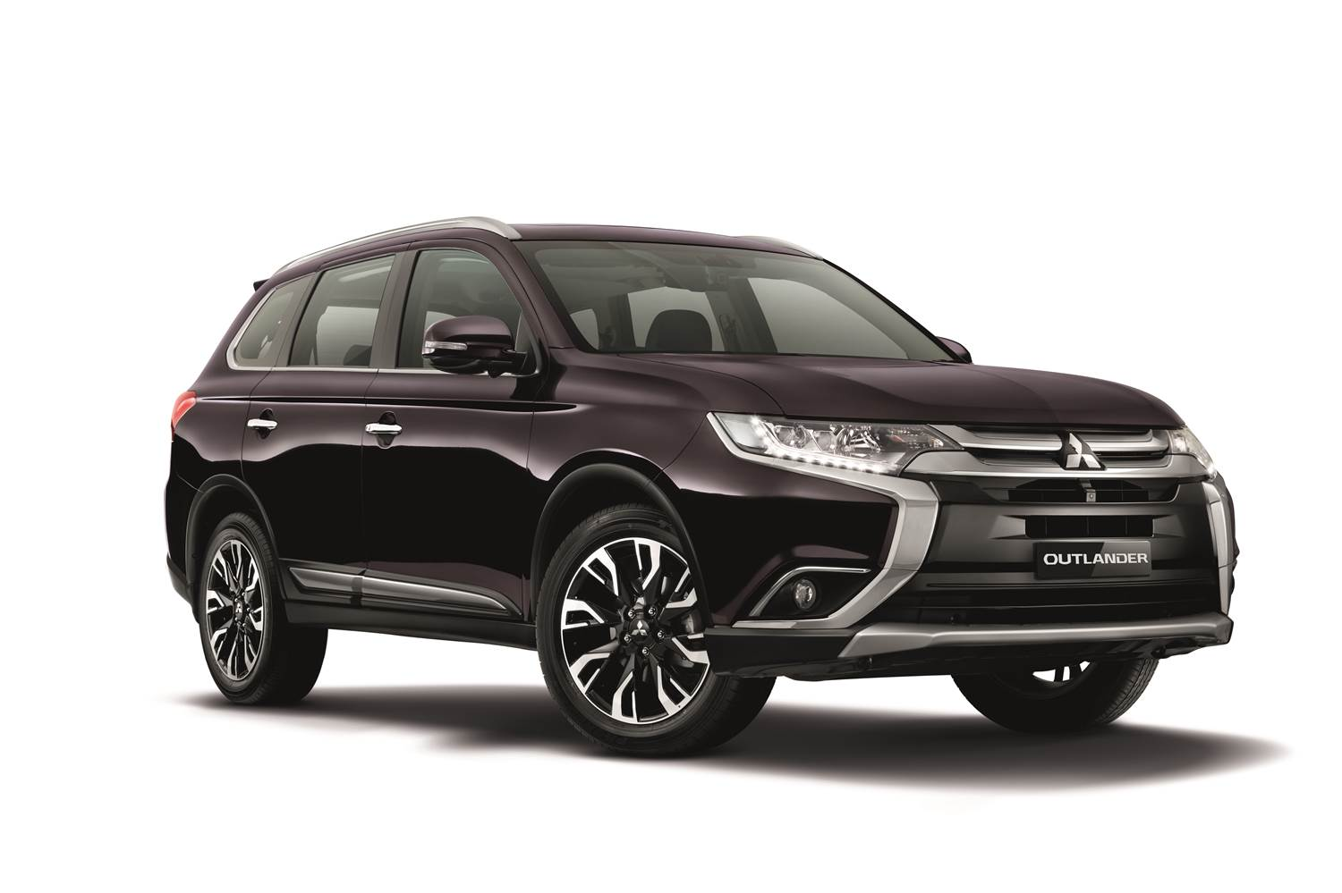 rear large crossover outlander en view s suv showroom canada sterling vehicle awc angle silver sawc gt mitsubishi