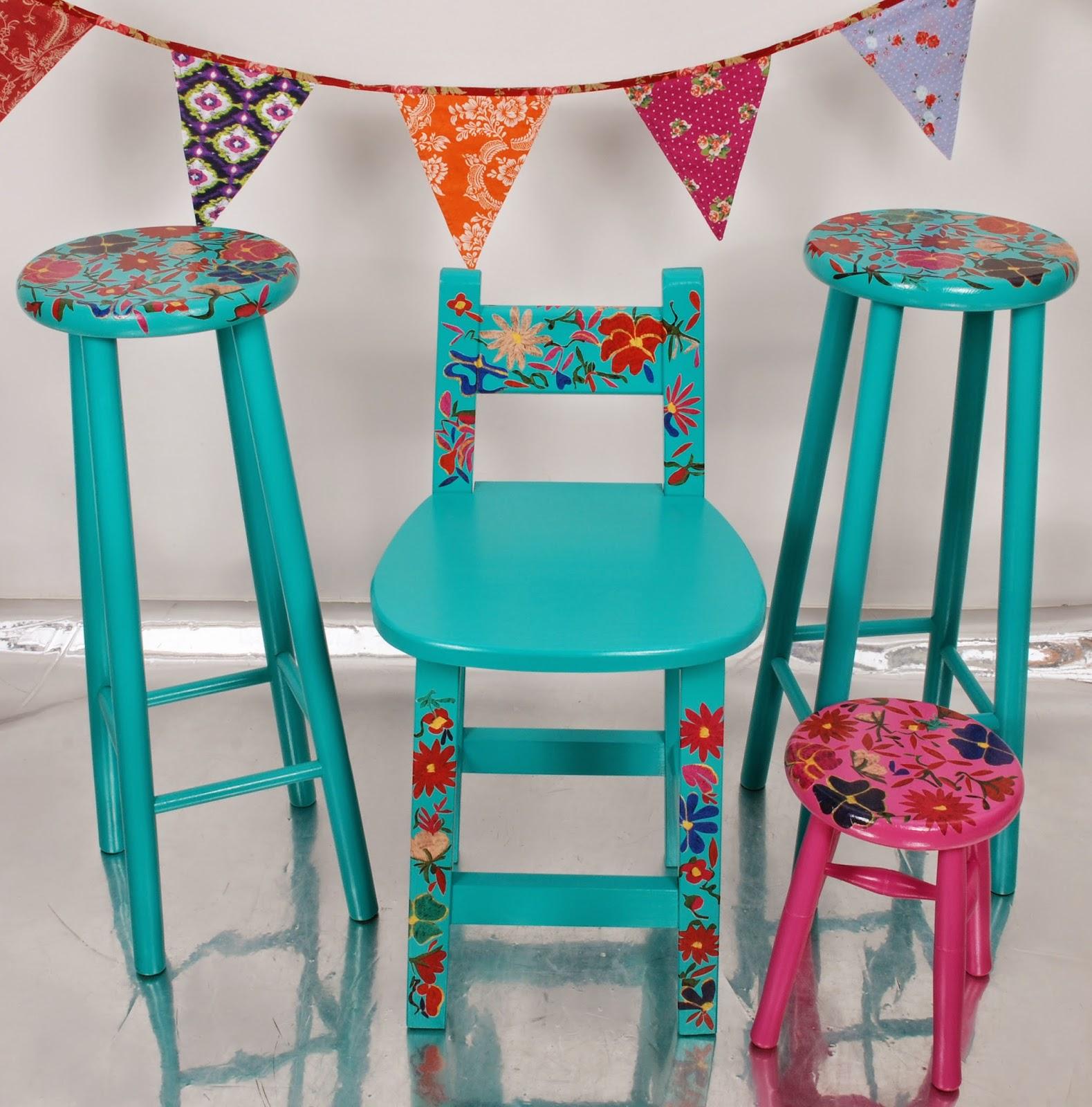 Sillas de madera personalizadas para ni o ni a taburetes for Mesas y sillas para ninas