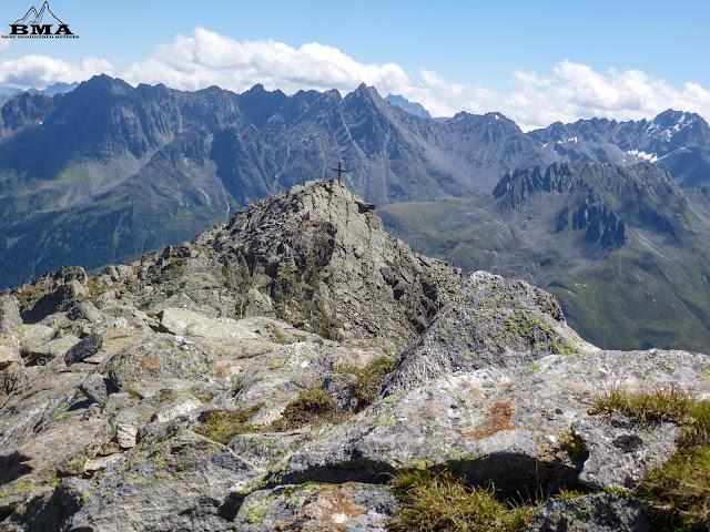 Grieskogel Gipfel im Paznaun - Wanderung Fädnerspitze outdoor-blog