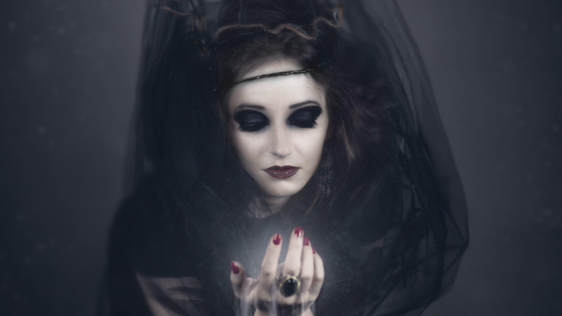 Witch. Vampire. Girl Halloween Costumes Wallpapers · 4K HD Desktop ...