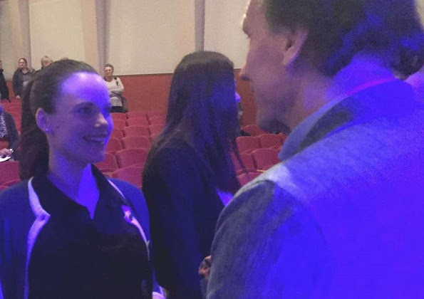 """Princess Sofia of Sweden visited a concert called """"Music and People"""" held by students and young refugees in Örnsköldsvik jewelery earrings"""