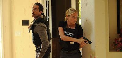 Demián Bichir e Diane Kruger interpretaram policiais de lados opostos da fronteira EUA-México