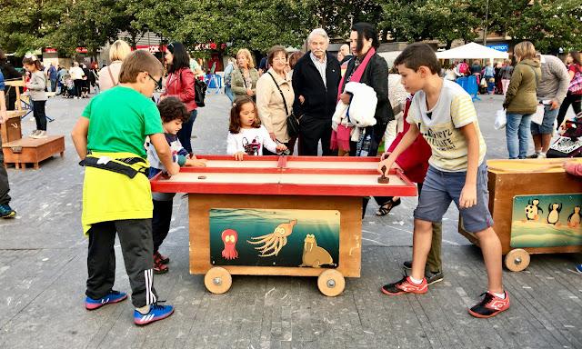 Juegos infantiles en Herriko Plaza