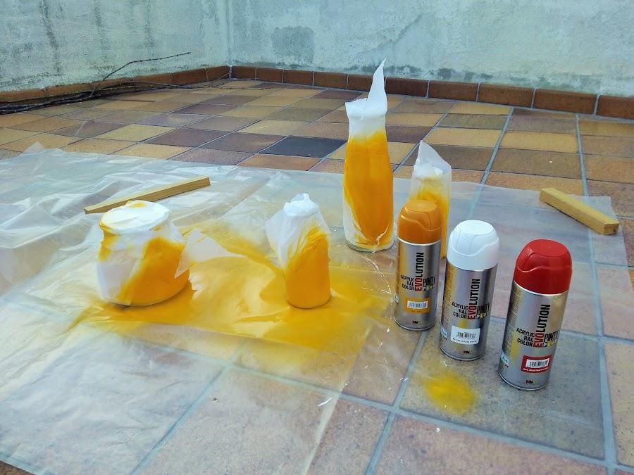 Como pintar botellas de cristal con spray