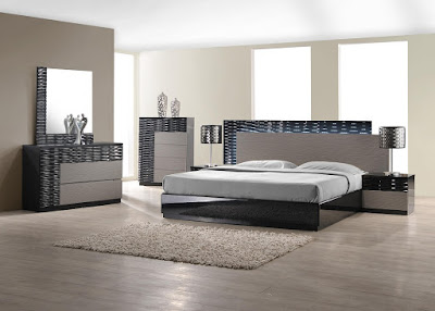 Modern Italian Bedroom Set
