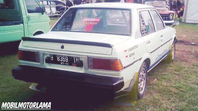 Modifikasi Corolla DX Retro Rally Style belakang