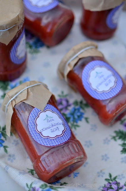 Sos pomidorowy do słoików na zimę