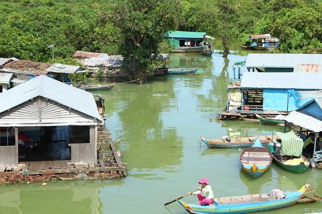 Visitar CHONG KNEAS, uma aldeia flutuante no lago Tomle Sap | Cambodja