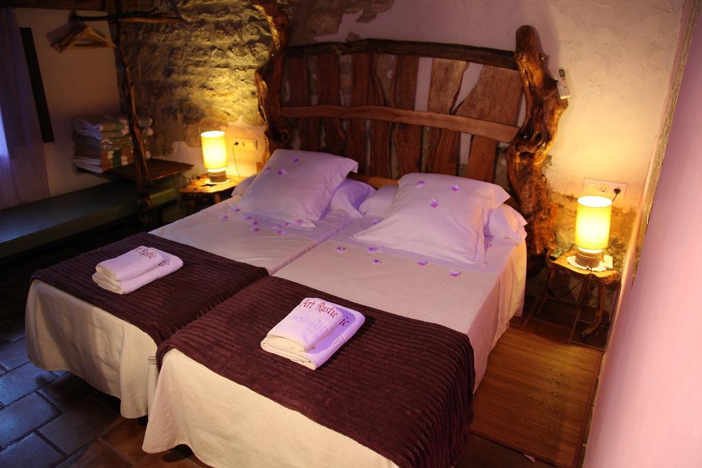 Art rustic turismo rural 3 y 4 estrellas casas rurales en castell n - Casa rural castellon jacuzzi ...