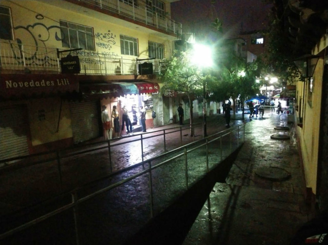 Una enfermera acribillada en un fuego cruzado y seis ejecutados más, el saldo de un día en Guerrero