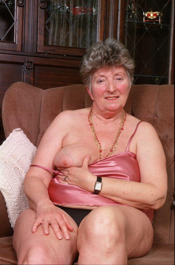 Granny Pornos 11