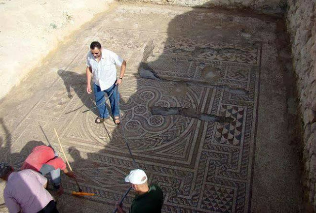 Mosaic dating back to 4th century uncovered near Damascus