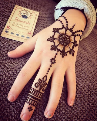 Simple Mehandi Designs Images For Kids