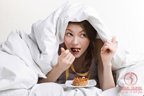 Thói quen xấu khiến mỡ bụng phát triển