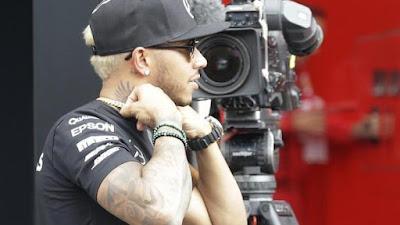 Lewis Hamilton with camera