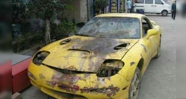 Disangka bodoh oleh keluarganya kerana membeli kereta buruk dengan harga berjuta juta..Tapi apa yang dia lakukan kepada kereta itu setelah beberapa bulan telah membuatkan keluarganya tidak menyangkanya bodoh..