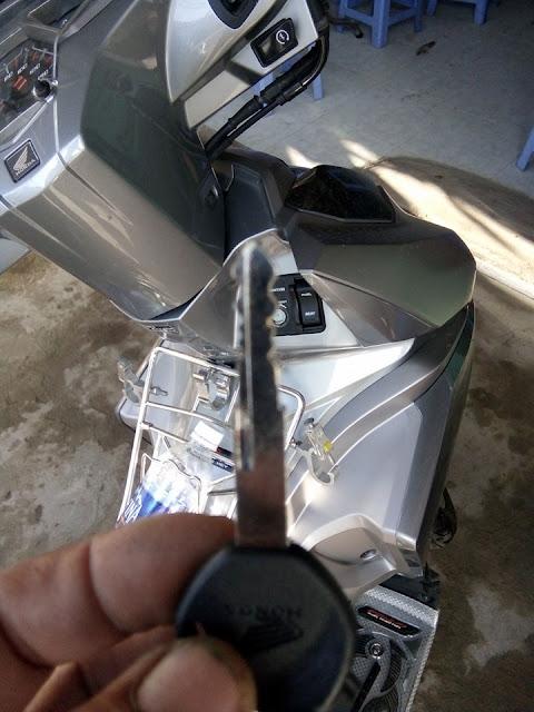 Đánh chìa khóa xe máy Air Blade Honda