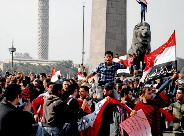 Tanda Perang Dunia Ketiga - Protest Massal