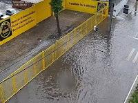 Chuvas provocam alagamento e queda de árvore e do sistema telefônico do Samu, na Paraíba