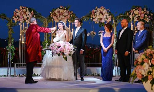 Hatice Sendil şi Burak Sagyasar s-au căsătorit