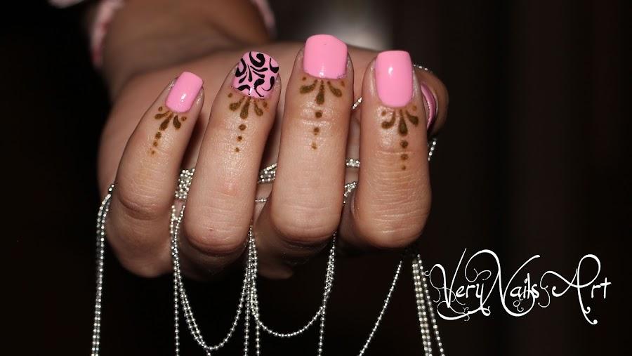 tatuaje henna cuticulas