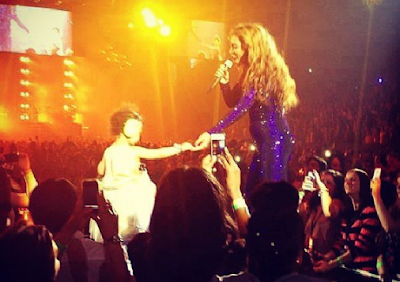 baby blue ivy on stage