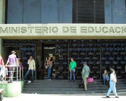 La decisión del Ministerio de Educación sobre eliminación de ciencias naturales