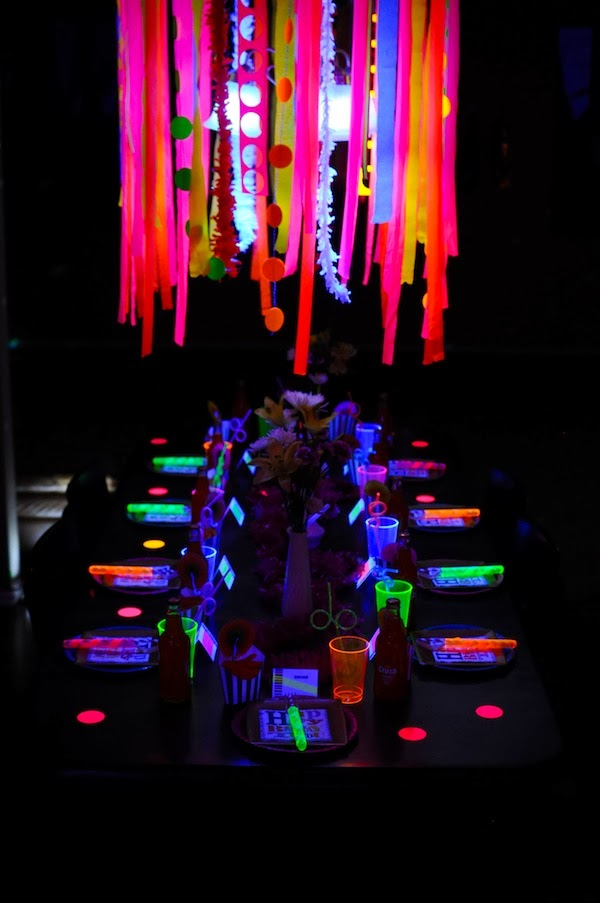 Like a rock star the details shipwrecked on fabulous - Glow in the dark table ...