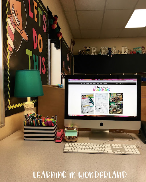 Love the look of a nice clean desk!