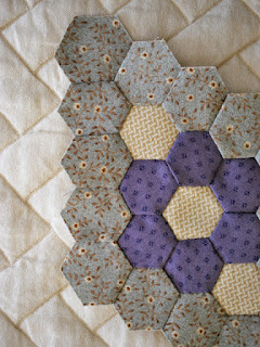 hexagon diamond for Minnie quilt - QuiltBee