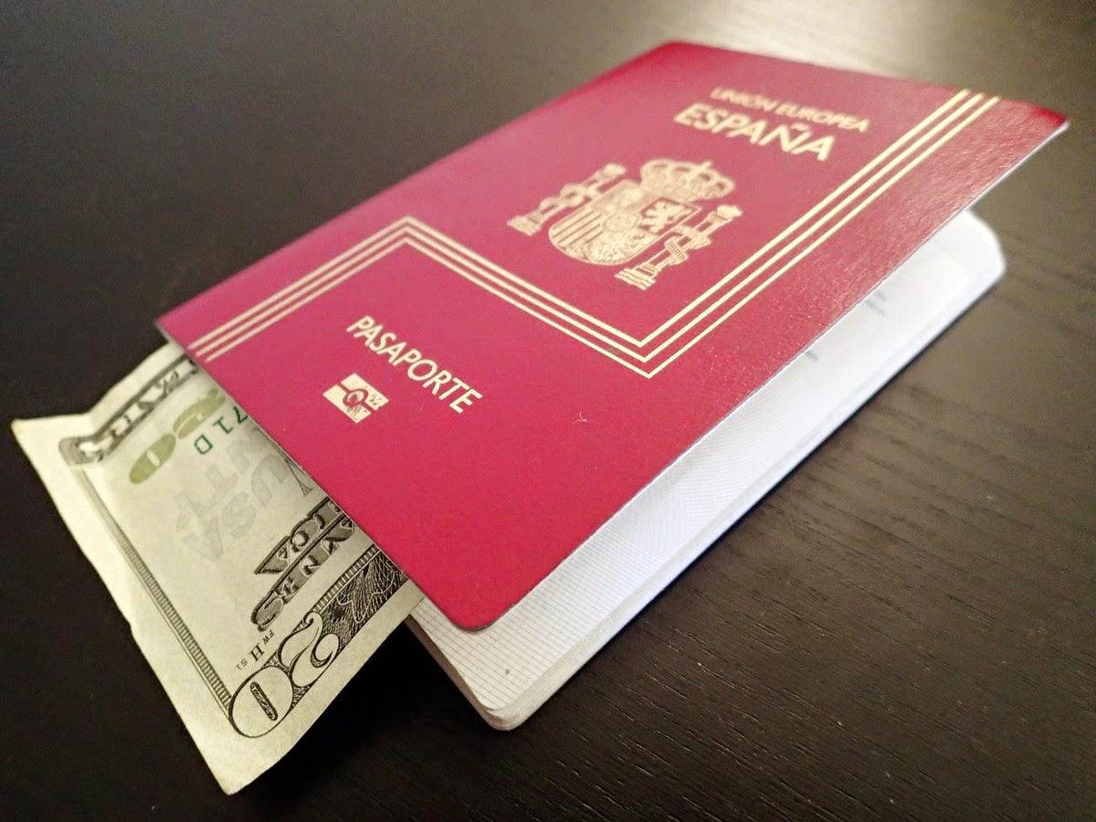 Pasaporte español con 20 dólares