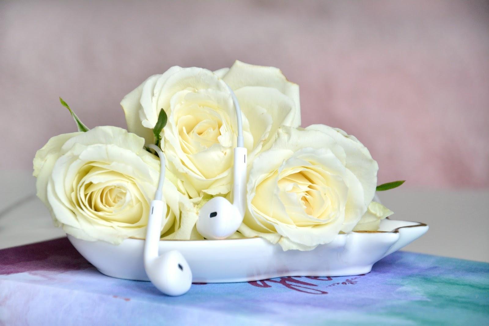 White Roses; Apple EarPods; Maisons Du Monde Pineapple Trinket Dish, Hema Notebook