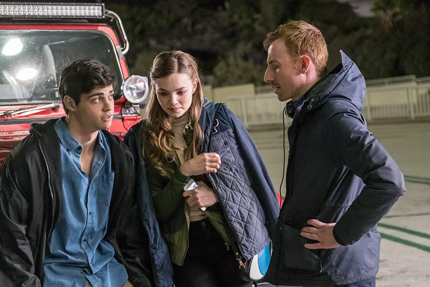 Noah Centineo, Kristine Froseth e Ian Samuels na nova comédia adolescente Sierra Burgess é uma loser.
