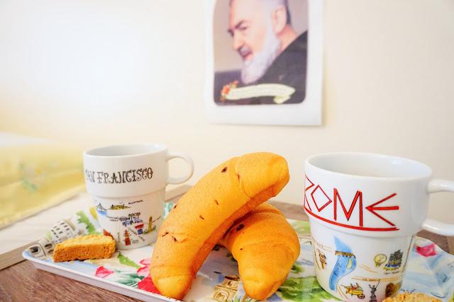 colazione, brekfast, padre pio, biscotii,